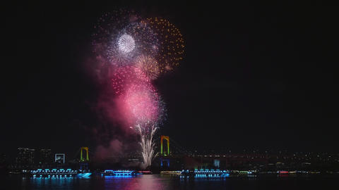 Fireworks festival at Tokyo Bay in Japan ライブ動画