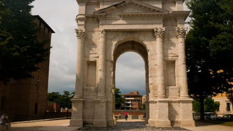 Hyperlapse, Arco dei gavi is a triumphal arch of the Roman period located in the GIF