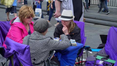 Tarot and palm reading in New Orleans French Quarter -… Stock Video Footage