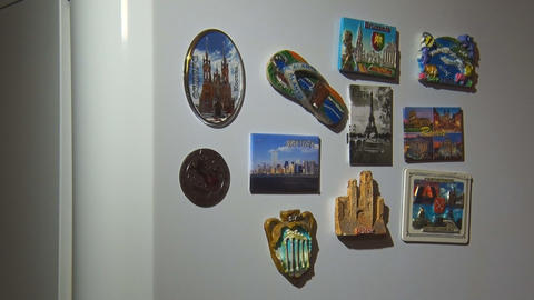 Souvenir Magnets on the Refrigerator Archivo