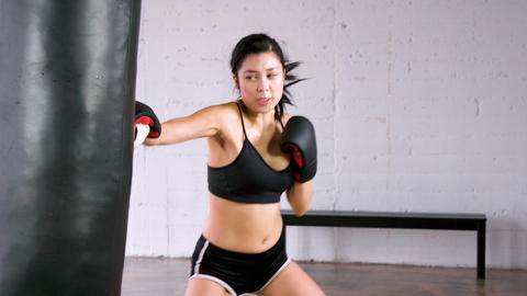 Athletic Woman Workout Boxing Slow-Motion 영상물