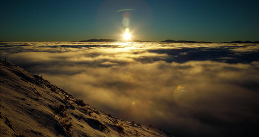 Above The Clouds Time Lapse 영상물