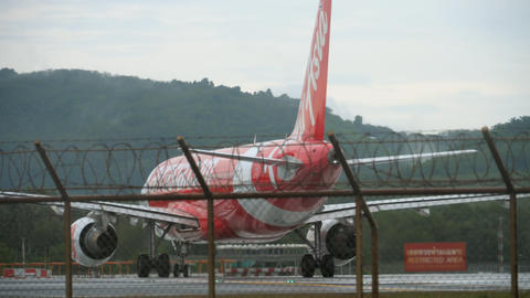 AirAsia Airbus 320 taxiing 영상물