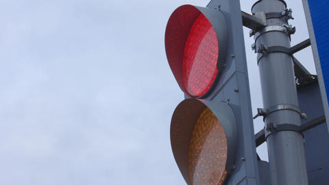 1080p Ungraded: Traffic Light Changing Colors Live Action
