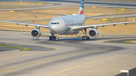 American Airlines Airbus A330 taxiing Live Action