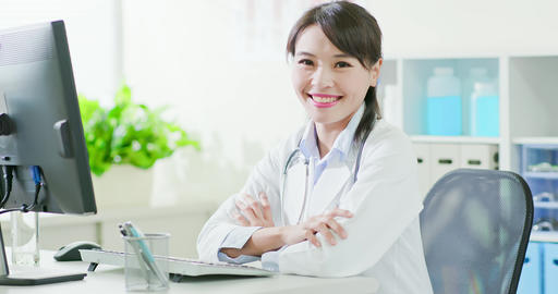 woman doctor smile to you Live影片