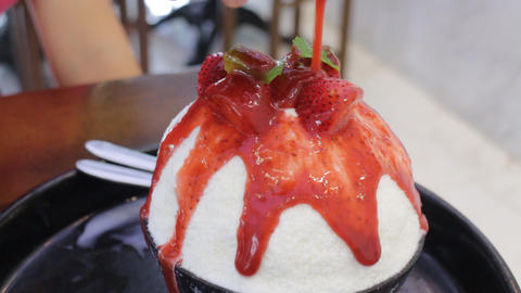 Strawberry cheese bingshu delicious dessert Live Action