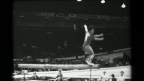 1966: Taki Shibuya Japan women's balance beam 16th Artistic Gymnastics World Cha Live Action