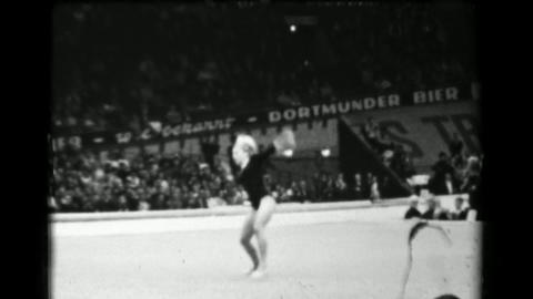 1966: Věra Čáslavská Czechoslovakia women's floor exercise 16th Artistic Gym Live Action