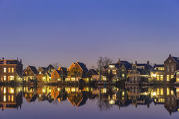 Amsterdam Netherlands, Night skyline of Dutch traditional house at Zaanse Schans Fotografía