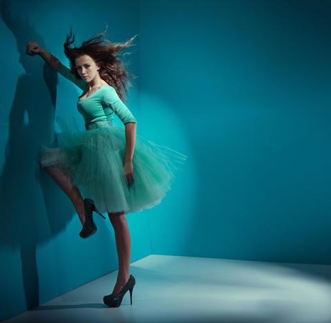Alluring woman wearing sea-green dress Fotografía