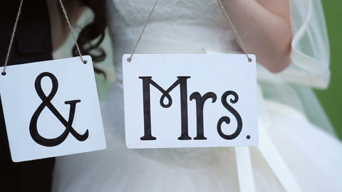 Wedding tablets with the letters Mr and Mrs 영상물