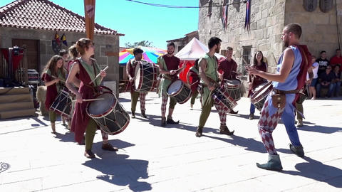 Penedono, Portugal - 20170701 - Medieval Fair - Drum Corp Change Beat w - Sou ビデオ