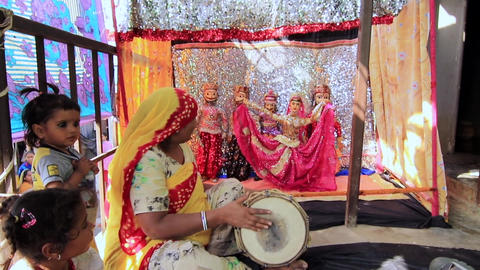 Kaputhli, India - 20180302 - Puppet Theater With Drum Accompanyment w - sound Footage