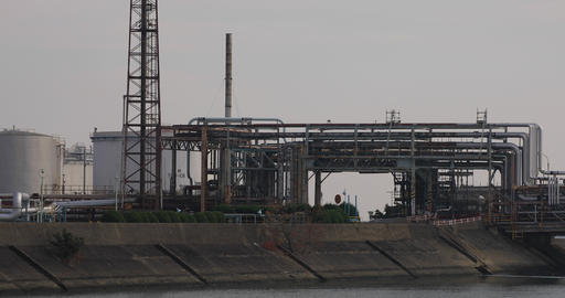Factory at the industrial area in Yokkaichi Mie japan ライブ動画