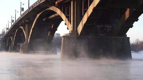 The stone bridge on the misty River ビデオ