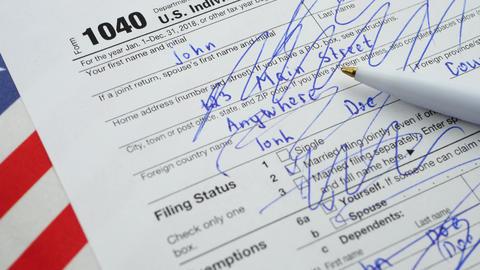 1040 U.S. Individual Income Tax Return Form Live Action