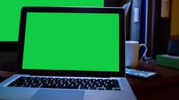 LAPTOP GREEN SCREEN ビデオ