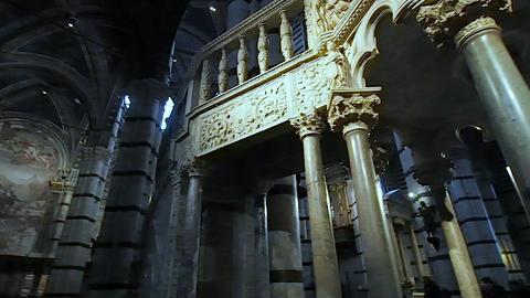 Pergamon of the Duomo of Siena in 4k Live Action