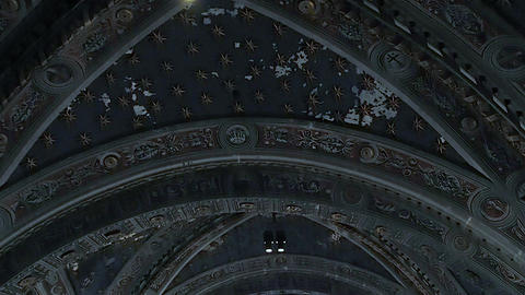 Main nave and rose window of the Duomo of Siena in 4k Live Action