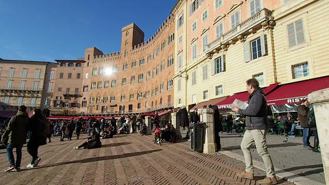 Overview of piazza del campo in 4k Live Action