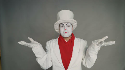 Mime chooses what is best. Which one is better suited to me. Big discounts on Footage