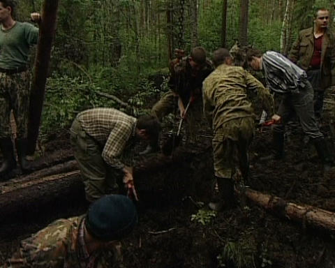 Searchers dig up the spoils of war Footage