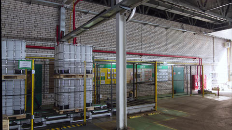 timelapse plastic containers on production line in storage 영상물