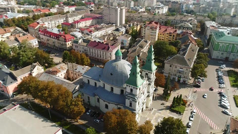 aerial view Cathedral,lake, quay Ternopil, Ukraine ビデオ