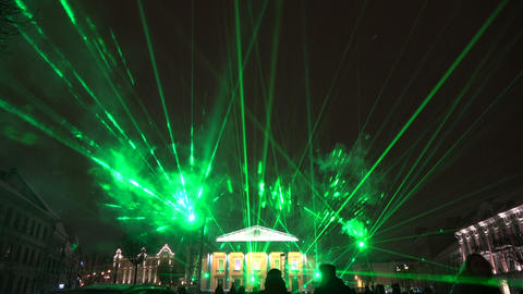 Vilnius light festival, Vilnius town hall square with laser green lights and peoples, 2019 Archivo
