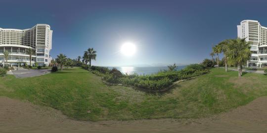 360 VR Hotel overlooking the sea with bright sunshine. Antalya, Turkey ビデオ