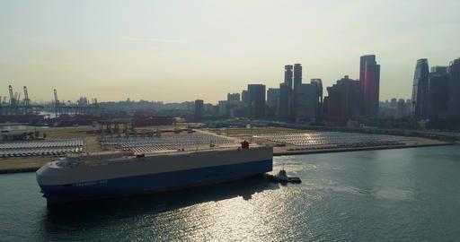 vessel for the transport port Live Action