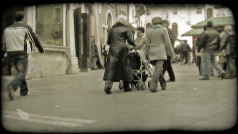 Italian Plaza 8. Vintage stylized video clip Live Action