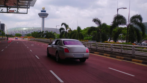 drive to the airport in the Luxury Car Archivo