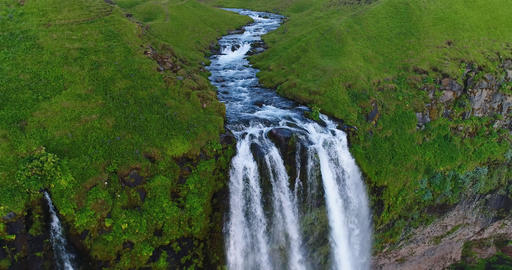 Aerial drone footage of waterfall Seljalandsfoss on Iceland in Icelandic nature Archivo