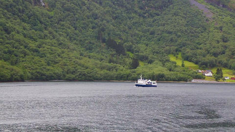 Cruise tourist ship leaving for voyage, Norway ビデオ