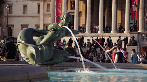 Spitting statue in front of National Gallery Footage