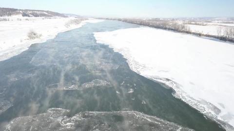 川のけあらしと氷(前進) ビデオ