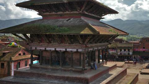 Panning shot of Time-lapse of Nyatapola temple and Taumadhi square in Bhaktapur, Footage