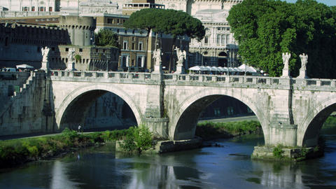 Shot of the statue-adorned Ponte Sant'Angelo Footage