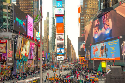 A lot of People and Advertisements in Times Square Fotografía