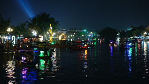 Popular boat tour in Hoi An Live Action