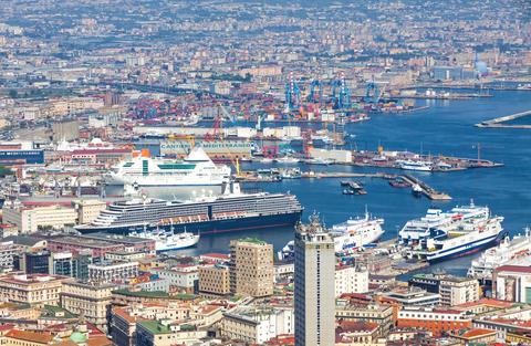 Sea Port of Naples, Italy フォト