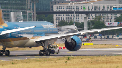 Boeing 787 towing from service GIF