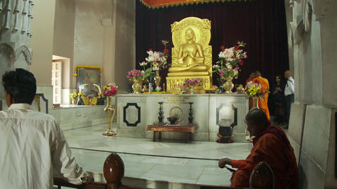 The Buddha statue in the Mulagandhakuti shrine at Sarnath Live Action