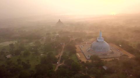 Ruwanwelisaya Stupa In Anuradhapura, Sri Lanka ビデオ