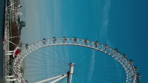 Vertical time-lapse of the London Eye from Westminster Bridge Footage