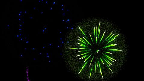 Fireworks alpha transparence background Animation