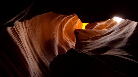 Stunning scenery at Upper Antelope Canyon Live Action