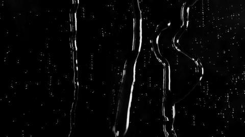 Raindrops on the Glass Surface Acción en vivo